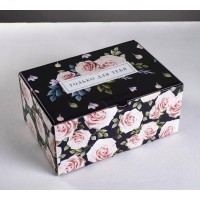 "Коробка ""Розы на чёрном"" / Коробка подарочная"