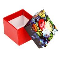 Коробка подарочная 5*5*4 см